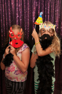 emoji-party-ideas-photo-booth