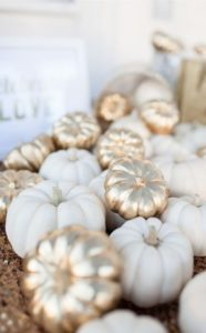trending-gold-and-white-wedding-color-ideas